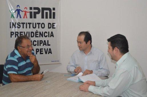 Após 34 anos na estrada, motorista se aposenta no IPMI