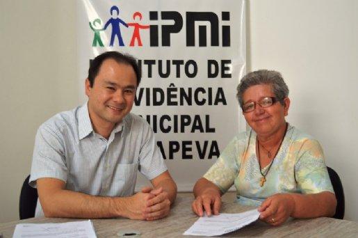 Agente de saúde se aposenta no Instituto de Previdência Municipal de Itapeva