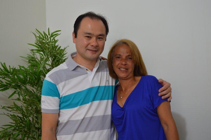 O superintendente do IPMI Eduardo Yamaya e a auxiliar de Enfermagem Neusa Rodrigues Silveira
