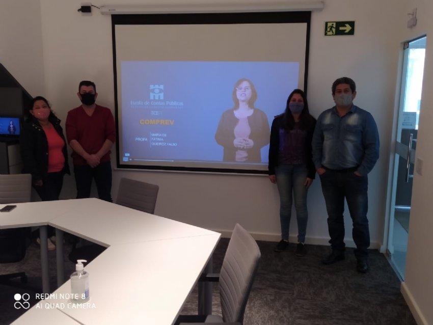 Equipe do IPMI reunida no curso sobre Compensação Previdenciária